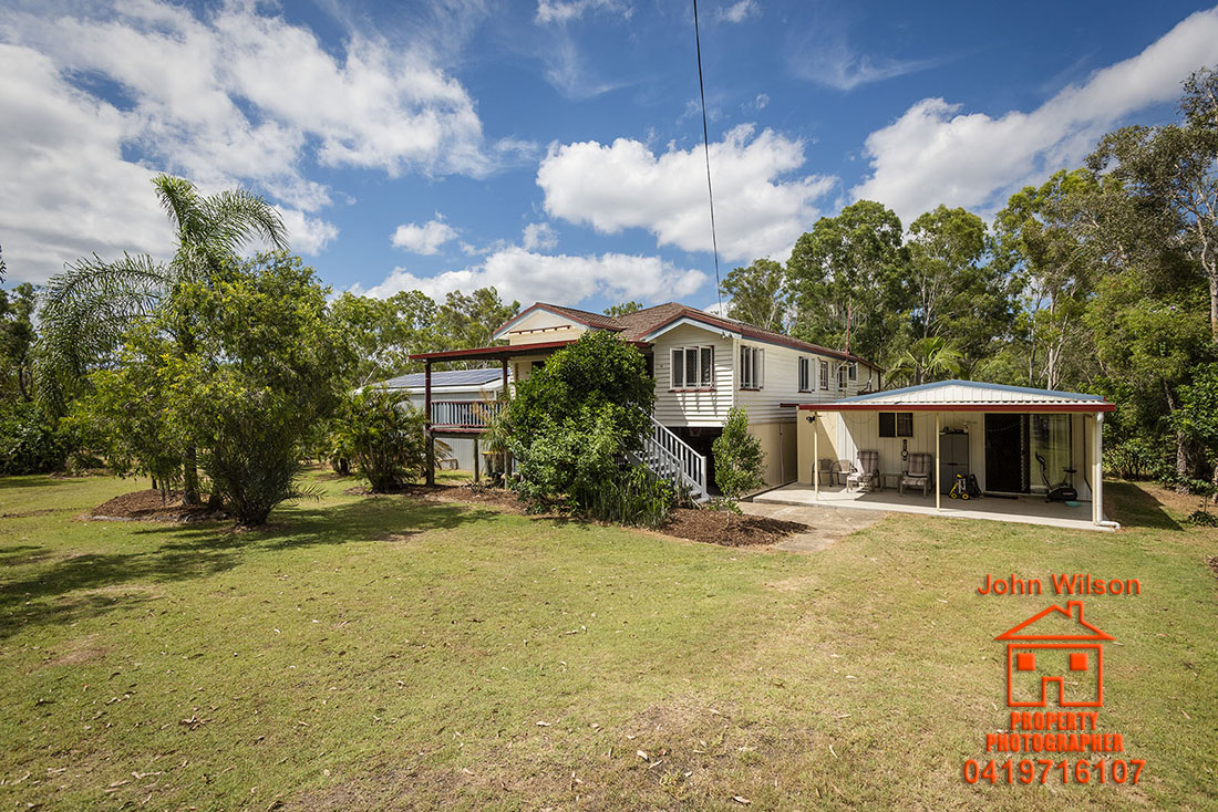 19 Ritchie Rd Torbanlea QLD 4662 For sale, rural acreage, large home solar powered.