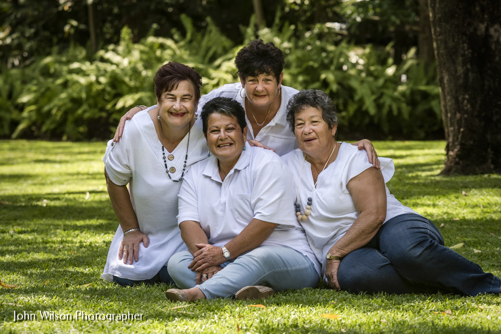 Hervey Bay Family Reunion Photos for sisters